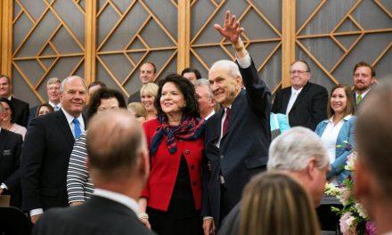 El Presidente Nelson invita a los Santos de los Últimos Días a poner 5 cosas en las paredes de sus casas
