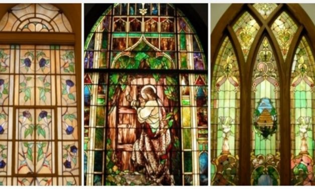 10 Impresionantes ejemplos de vitrales en los centros de reuniones de la Iglesia