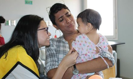 Mujeres mormonas y su inagotable amor por los niños enfermos en Honduras