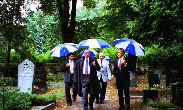 Un vistazo a uno de los momentos de ministración del Presidente Monson