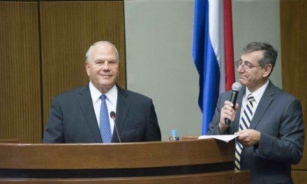 Élder Rasband y su contundente mensaje sobre la familia en Paraguay