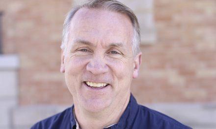 Líder de la Iglesia declara ser gay y explica cómo sobrellevarlo para seguir al Señor