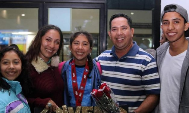 Jovencita de la Iglesia de Jesucristo es una destacada nadadora en Guatemala
