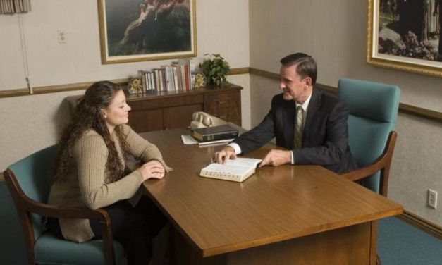 Jóvenes: No tengan miedo de pasar una entrevista con su obispo