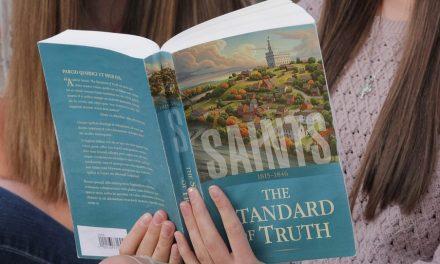 """6 Razones por las que los miembros de la Iglesia deben leer """"Santos"""""""