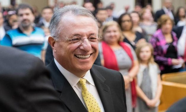 Una reunión de amigos – El Elder Soares regresa a Brasil en su primera visita oficial desde que fue llamado como Apóstol