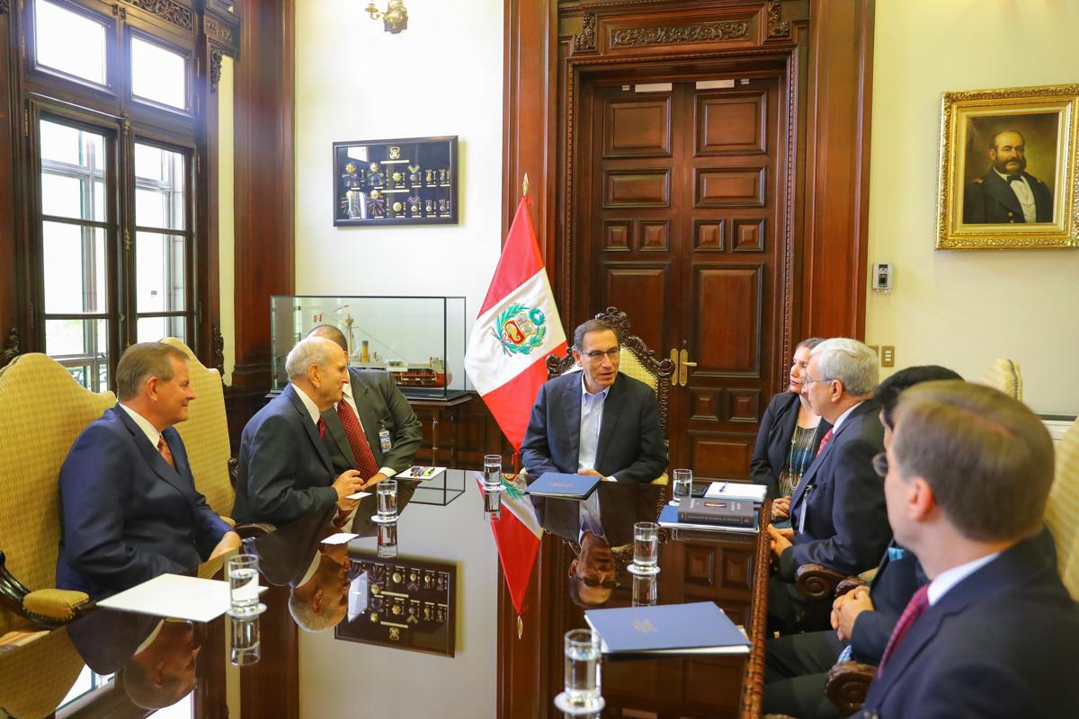 Presidente Nelson Perú con Vizcarra