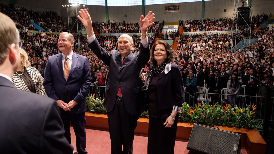 Todo lo que hizo en un solo día el Presidente Nelson en Perú