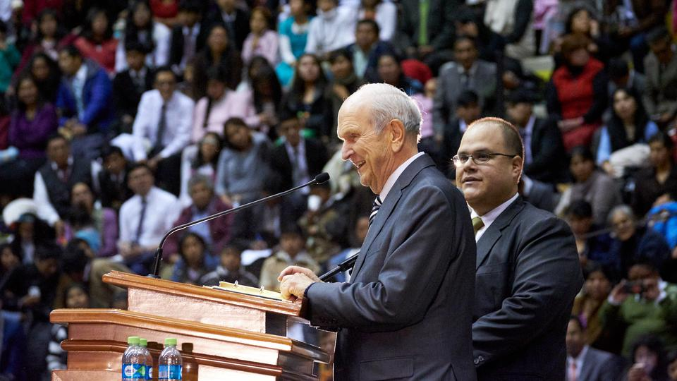 Presidente Nelson sorprendió en Bolivia