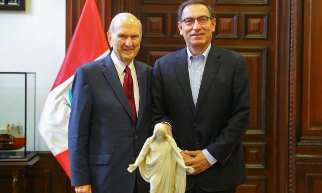 La cálida conversación entre el Presidente Nelson y el Presidente del Perú