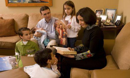 """¿Qué tan nuevo es el aprendizaje del Evangelio """"centrado en el hogar y apoyado por la Iglesia""""?"""