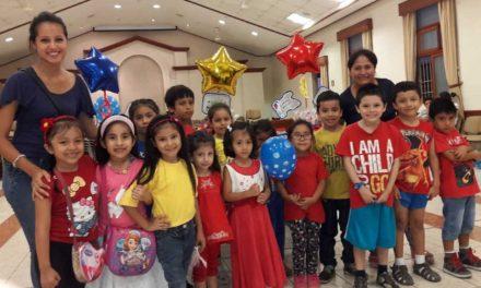Los 13 niños de cada presentación de la Primaria