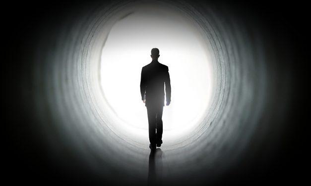 ¿Mi hermano fallecido e inactivo se encuentra en un estado de tortura por no haber vivido los principios del Evangelio?