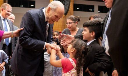 El Presidente Nelson le pide a los padres y maestros que le enseñen a los niños estas 6 cosas