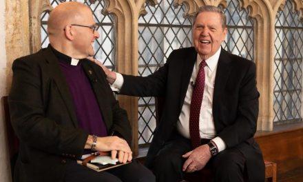 La Universidad de Oxford invita al Elder Jeffrey R. Holland a reunirse con teólogos y líderes religiosos