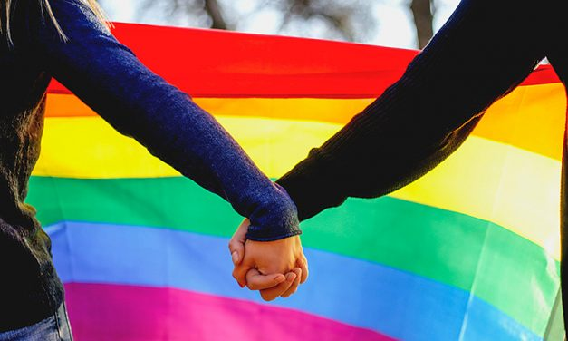 Una pregunta a un terapeuta Santo de los Últimos Días: ¿Debería ir a la boda LGTBQ de mi hija?