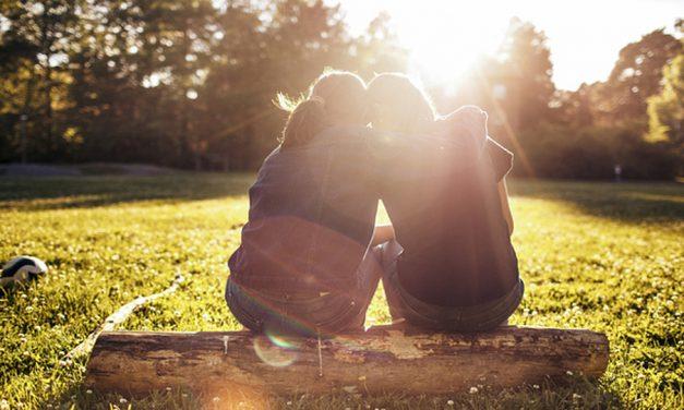 Cuando los miembros sienten que no pertenecen a la Iglesia: Terapeuta familiar comparte poderosas percepciones sobre aceptarnos unos a otros