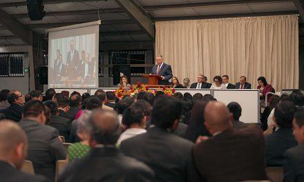 El Élder Soares visita América Central durante su primer viaje solo como apóstol