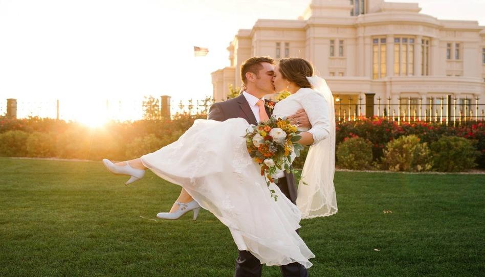 Cómo tener éxito en un matrimonio eterno según el Élder Carl B. Cook