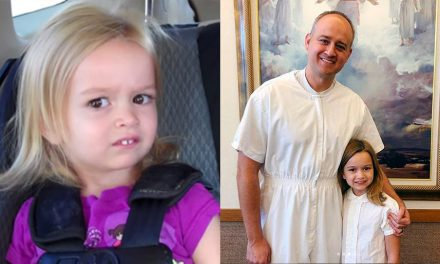 La famosa niña por sus memes fue bautizada en la Iglesia de Jesucristo