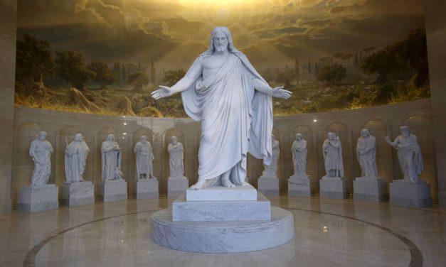 Un vistazo a cómo las estatuas del Christus y los 12 apóstoles fueron transportadas de Copenhague al Templo de Roma, Italia