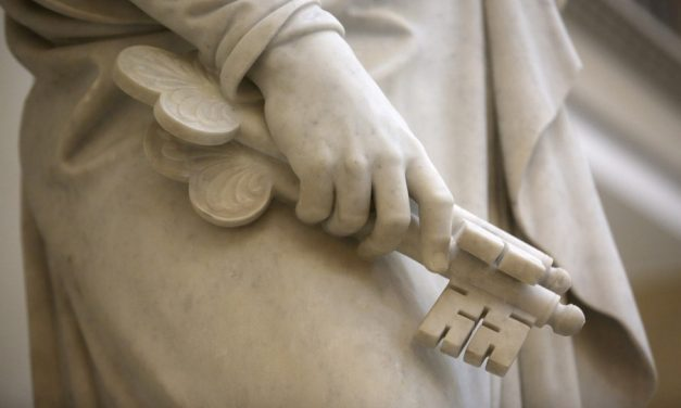 Entérate de todo lo que necesitas saber sobre el simbolismo de las estatuas en el Centro de Visitantes del Templo de Roma, Italia