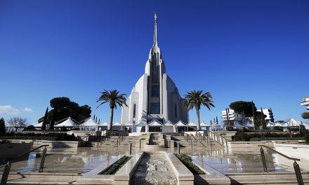 NYT: En el centro del catolicismo, el nuevo templo mormón invita a los curiosos a echar un vistazo