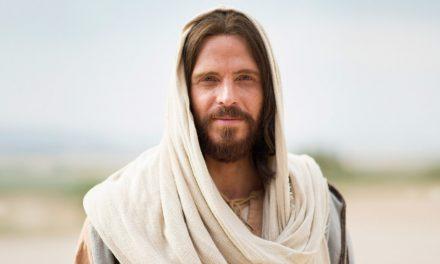 El significado detrás del nombre de Jesús y el título del Salvador como rey