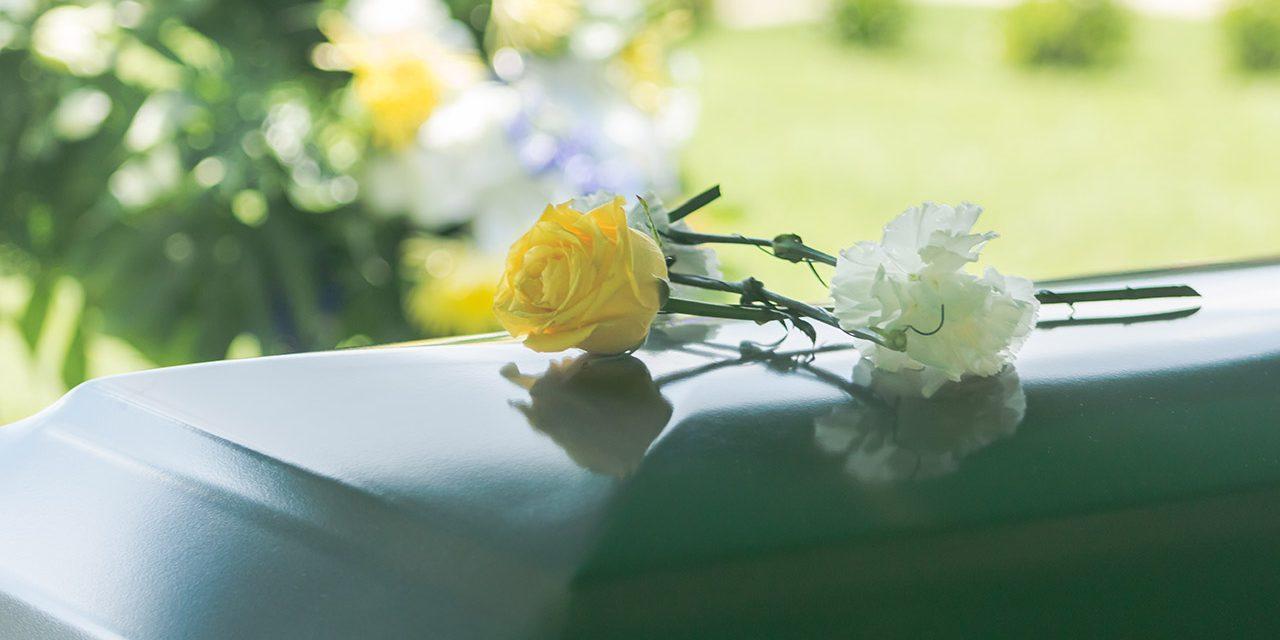 La Iglesia envía nuevas pautas de entierro para las mujeres investidas