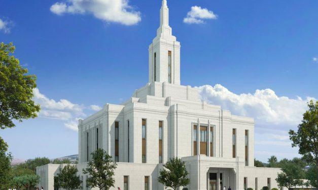 La Iglesia muestra el diseño de dos nuevos Templos