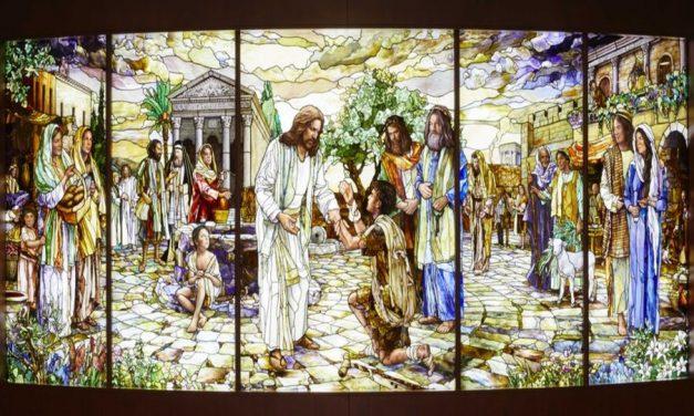 12 percepciones sobre la vida de Cristo según se representan en el vitral del Centro de Visitantes de Roma