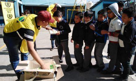 La Iglesia de Jesucristo entrega kits escolares en Guatemala