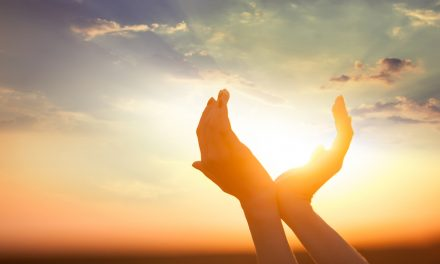 ¿La fe te hace más feliz? Una nueva investigación explora los vínculos entre la religión y el bienestar