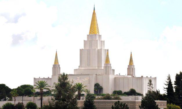 """Un periodista judío describe una experiencia """"emocionante"""" en el Templo de Oakland, la compara con los templos antiguos de Jerusalén"""