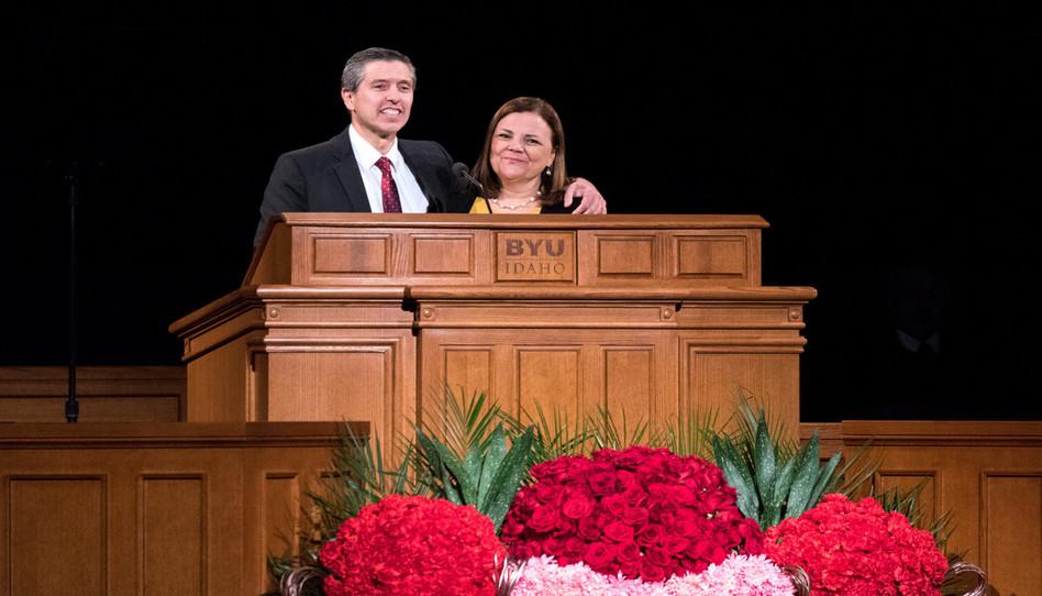 El Élder y la hermana Costa les dicen a los estudiantes de BYU-Idaho 3 cosas que ojalá hubieran sabido mientras estaban en la universidad