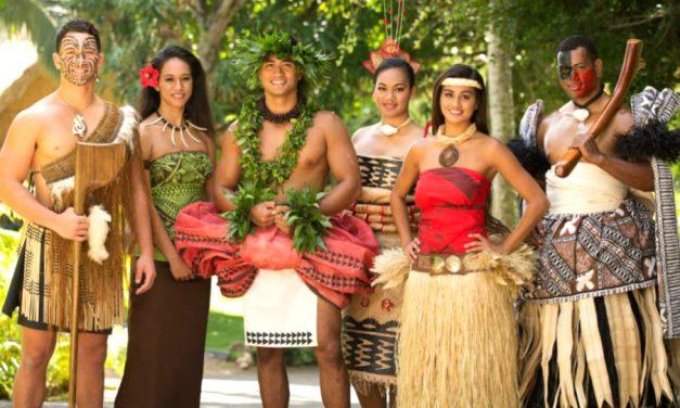 ¿Por qué el Centro Cultural Polinesio tiene personas con tatuajes?