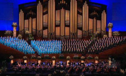 El Coro del Tabernáculo ofrece una oportunidad única para 4 personas, NO se requieren habilidades musicales, para cantar con el Coro
