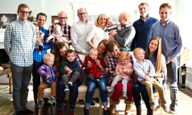 3 hijos que escuchan y 3 hijos sordos – Una familia que se mantiene aferrada a la fe