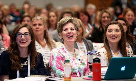 Las misioneras de las redes sociales y la hermana Joy D. Jones comparten cómo la obra de historia familiar puede proteger a los niños y las familias