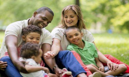 12 formas de apoyar a las familias donde no todos son miembros en tu barrio o rama