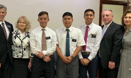 Élder Soares visita a los afligidos misioneros que perdieron a su compañero en República Dominicana