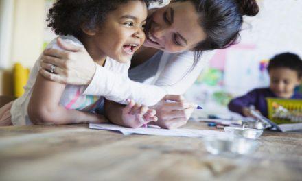 Terapeuta familiar: Cómo los padres pueden evitar los mensajes destructivos que podrían estar enviando a sus hijos sin darse cuenta