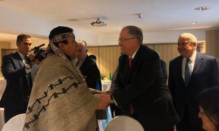 Élder Andersen se reúne con líderes religiosos y políticos en Chile