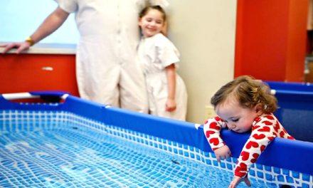 Un hospital organizó un bautismo para que toda una familia Santo de los Últimos Días pueda estar presente