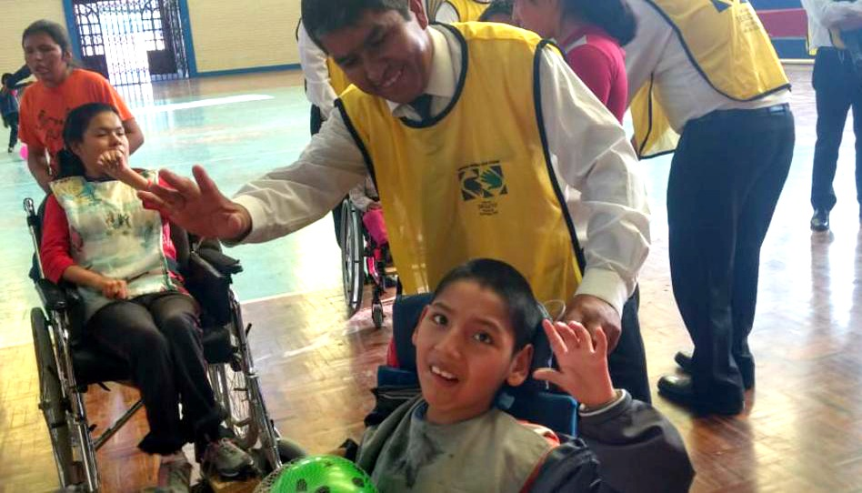 Lideres de la Iglesia de Jesucristo en Bolivia se unen para servir a niños con discapacidad