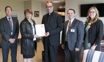 La Iglesia dona $ 4 millones para el reasentamiento de refugiados