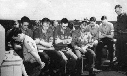 Una reunión sacramental en un barco de guerra + fotos increíbles de Santos de los Últimos Días en tiempos de guerra
