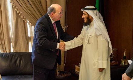 Élder Cook agradece al Estado de Kuwait por reconocer formalmente a la Iglesia