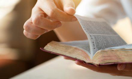 5 notas esclarecedoras a pie de página en las Escrituras que probablemente pasaste por alto