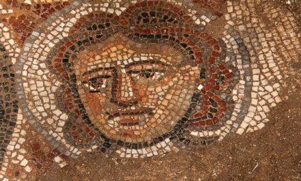 3 mosaicos hallados en un pueblo de Galilea revelan datos sorprendentes sobre la adoración judía de la antigüedad